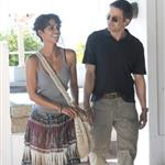 Halle Berry and Oliver Martinez on the set of Dark Tide 68351