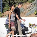 Halle Berry and Oliver Martinez on the set of Dark Tide 68354