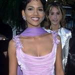 Halle Berry at the 68th Annual Acadmeny Awards, March 25, 1996 106997