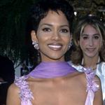 Halle Berry at the 68th Annual Acadmeny Awards, March 25, 1996 106998