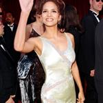 Halle Berry at the 70th Annual Acadmeny Awards, March 23, 1998 106999