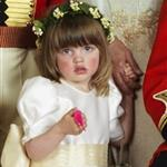 Prince Harry entertains wedding children with a wiggly worm in official portraits 84625