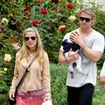 Chris Hemsworth out in Santa Monica with Elsa Pataky and baby India  120472