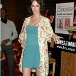 Jennifer Love Hewitt at her book signing  58457