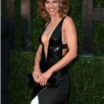 Hilary Swank shows her body at the Vanity Fair Oscar party 2010  56519