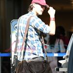 Jack Huston leaves Vancouver 45700