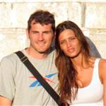 Iker Casillas and his girlfriend Sara Carbonero out for a walk in Brazil while on vacation in June 2011 99143