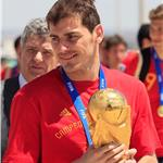 Sara Carbonera flies with Iker Casillas back to Madrid after World Cup win 64958