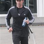 Hugh Jackman goes running on his final day as Sexiest Man Alive 50810