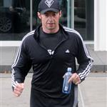 Hugh Jackman goes running on his final day as Sexiest Man Alive 50811