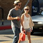 Jake Gyllenhaal and Reese Witherspoon hand in hand in Venice, CA 45710