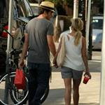 Jake Gyllenhaal and Reese Witherspoon hand in hand in Venice, CA 45711
