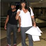 Jason Momoa arrives at LAX with a pillow and a hat box 91693