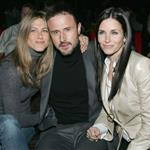 Jennifer Aniston leans on Courteney Cox and David Arquette when she's single 2007 78027