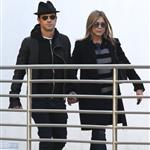 Jennifer Aniston and Justin Theroux go to the movies  103640