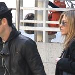 Jennifer Aniston and Justin Theroux go to the movies  103651