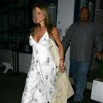 Jennifer Aniston travels to London to be with John Mayer 21698
