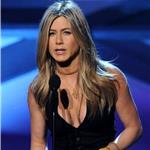 Jennifer Aniston presents to Adam Sandler at People's Choice Awards 2011 76261