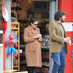 Jennifer Garner and Ben Affleck go Christmas shopping for their girls in LA 100485