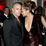 Jennifer Lopez and Casper Smart at the 2012 Vanity Fair Oscar Party 107466