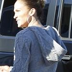 Jennifer Lopez gets ready to board a helicopter in Hawaii with Casper Smart 99281