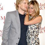 Jennifer Aniston wears print in Paris with Owen Wilson at Marley & Me photo call 33852