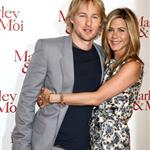 Jennifer Aniston wears print in Paris with Owen Wilson at Marley & Me photo call 33851