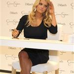 "Jessica Simpson in store signing at Dillard""s  18219"