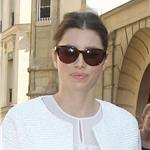 Jessica Biel arrives at the Giambattista Valli Spring-Summer 2012 show during Paris Fashion Week 95440