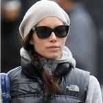 Jessica Biel shopping in New York 100609