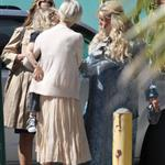 Jessica Simpson greets her sister, Ashlee Simpson, outside of her baby shower 109166
