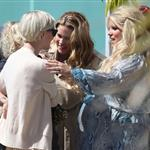 Jessica Simpson greets her sister, Ashlee Simpson, outside of her baby shower 109179