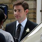 Jenna Fischer and John Krasinski shoot the wedding scene for The Office 45335