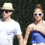 Jennifer Lopez and Casper Smart shop in LA 115405