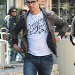 Joe Jonas shopping at the Grove with friends in skinny jeans 56755