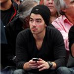 Joe Jonas at the Knicks game 75418