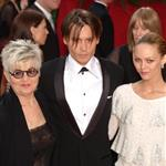 Johnny Depp at the 76th Annual Academy Awards, February 29, 2004 with his mother and Vanessa Paradis  106879