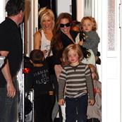 Angelina Jolie takes kids to Gwen Stefani's for playdate in London  95037