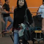 Julia Jones arrives in Vancouver to shoot Eclipse  47155