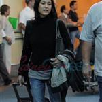 Julia Jones arrives in Vancouver to shoot Eclipse  47156