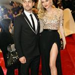 Diana Kruger and Joshua Jackson at Met Gala 2011  84430