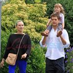 Diane Kruger and Joshua Jackson spend time with a friend and her daughter in Vancouver 123742