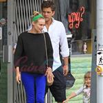 Diane Kruger and Joshua Jackson spend time with a friend and her daughter in Vancouver 123756