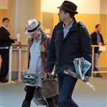 Joshua Jackson picks Diane Kruger up at YVR with rose and a kiss 68602