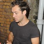 Jude Law signs autographs for young fans after a Hamlet performance for students  43046