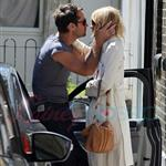 Sienna Miller Jude Law kiss goodbye in London July 2010  64530