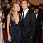 Sienna Miller and Jude Law together again at the Costume Institute Gala 2010  60310