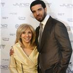 Drake with his mother Juno Awards 2011 82076