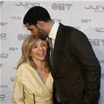 Drake with his mother Juno Awards 2011 82078