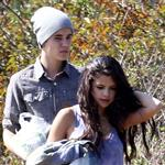 Justin Bieber and Selena Gomez enjoy a romantic picnic in Griffith Park 110705